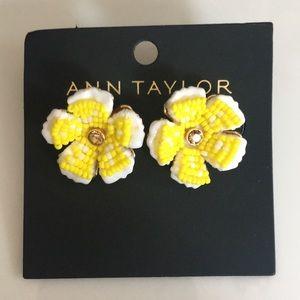 Ann Taylor yellow Flower studs NWT